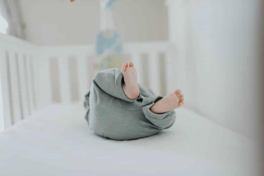 lozeczko noworodek wyprawka